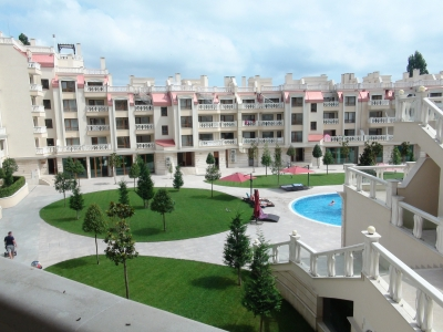Varna South Bay Beach Residence - 1 bedroom apartment - view to the swimming pool - comes with a garage