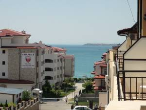 Aqua Dreams - Big one bedroom holiday apartment -  Huge balconey - View to the Black Sea and the mauntions - Few meters to a sandy beach